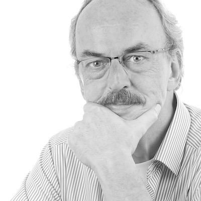 Gerard Oonk, zelfportret. Initiatiefnemer van Top Stories.